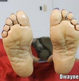 Ebony Footjob - Mature Wrinkly Feet Drains BBC Cum 5